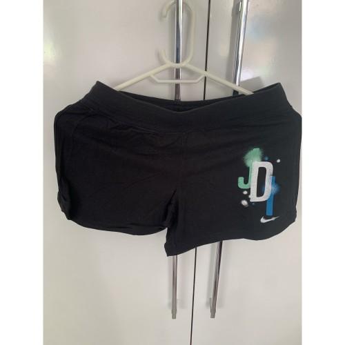 Nike Woman sport shorts
