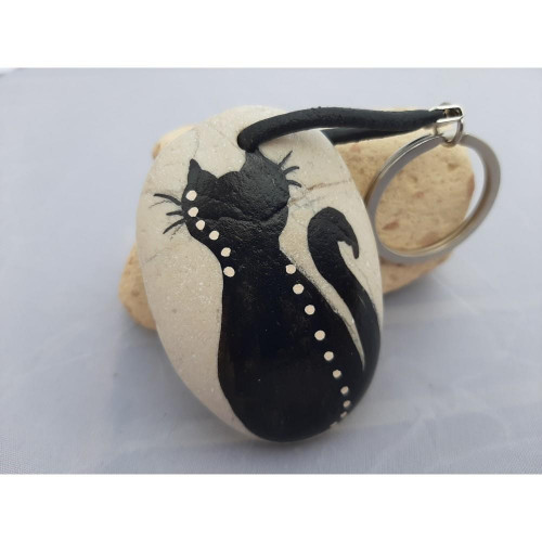 Key ring with hand painted stone, Key leather chain, decorated with a hand made cat .